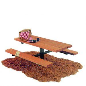 """ריהוט רחוב, שולחן קק""""ל מעץ מבית פיברן המומחים בייצור והתקנת ריהוט רחוב"""