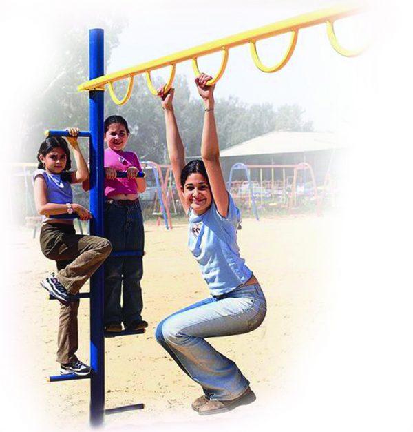 מתקן טיפוס טבעות לפארקים פיברן מומחים בפיתוח מתקני כושר וספורט