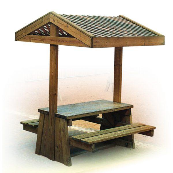 """שולחן קק""""ל מלבני מעץ וסככה מבית פיברן המומחים בייצור והתקנת ריהוט רחוב"""
