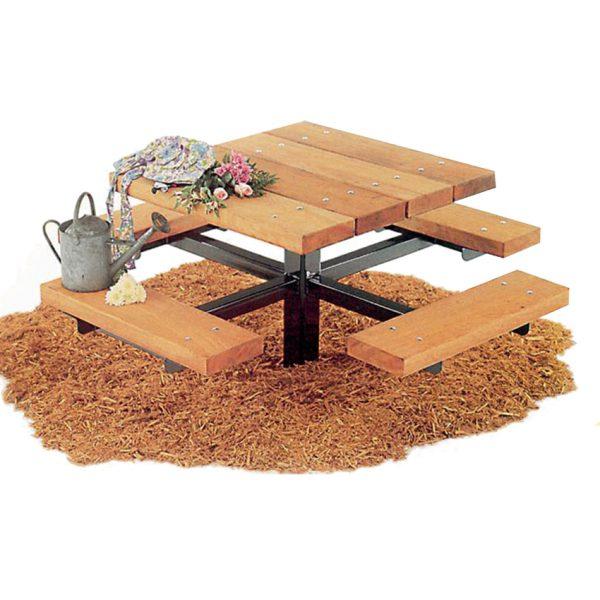 """שולחן קק""""ל מרובע עם ספסלים מבית פיברן המומחים בייצור והתקנת ריהוט רחוב"""