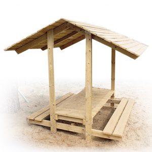 """שולחן קק""""ל מעץ לחצר עם גג שיפועי מבית פיברן המומחים בייצור ריהוט רחוב"""