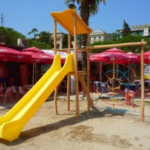 ביתן פעילות ומשחק לילדים דגם 2006 מעץ רוביניה | פיברן מתקני משחק וריהוט רחוב