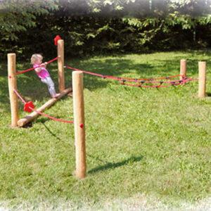 קורת שיווי משקל בשילוב כבלים לפעוטות עץ רוביניה | פיברן מתקני משחק וריהוט רחוב
