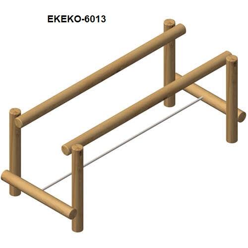 מתקן כושר להליכה על חבל לאיזון ושווי משקל מעץ רוביניה, פיברן מתקנימשחק